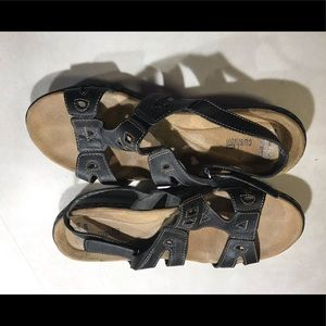 Clark's Sandals - Black with Soft Cushion